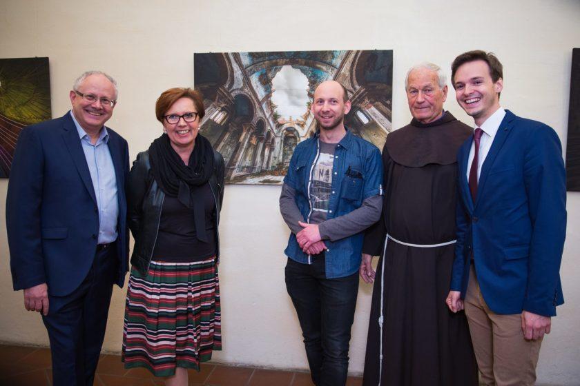 Wolfgang Kasic, Angela Frauwallner, Christoph Bouvier, Pater Simon Orec, Bürgermeister Mag. Johannes Wagner. Fotograf: Werner Zangl