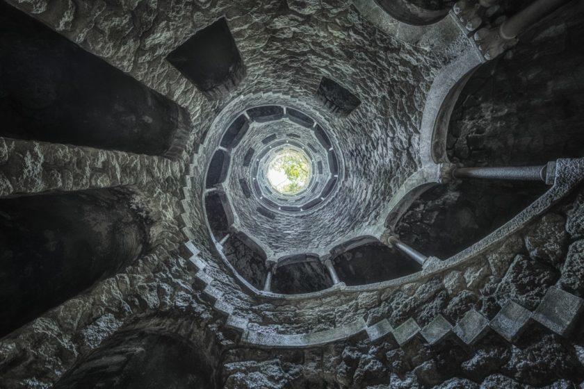 bottledlightsphotography_by_christoph_bouvier_-_stair_well